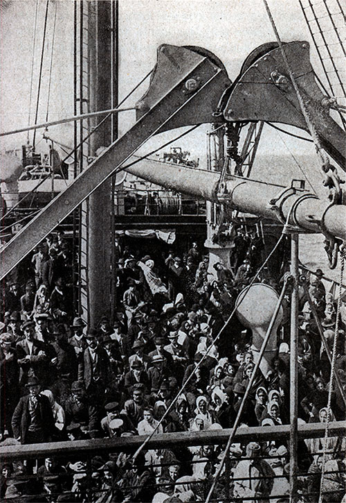 SteeragePassengersOnTheDeckOfASteamship-1905-500